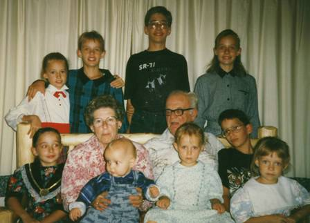 all-the-children-with-gramma-and-grampa.jpg